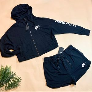 NEW Women's Nike Air Shorts Set - [Size Large]